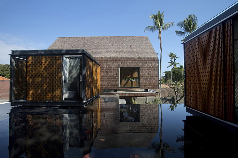 The sophisticated and elegant design of the Svarga Residence in Bali, Indonesia 9