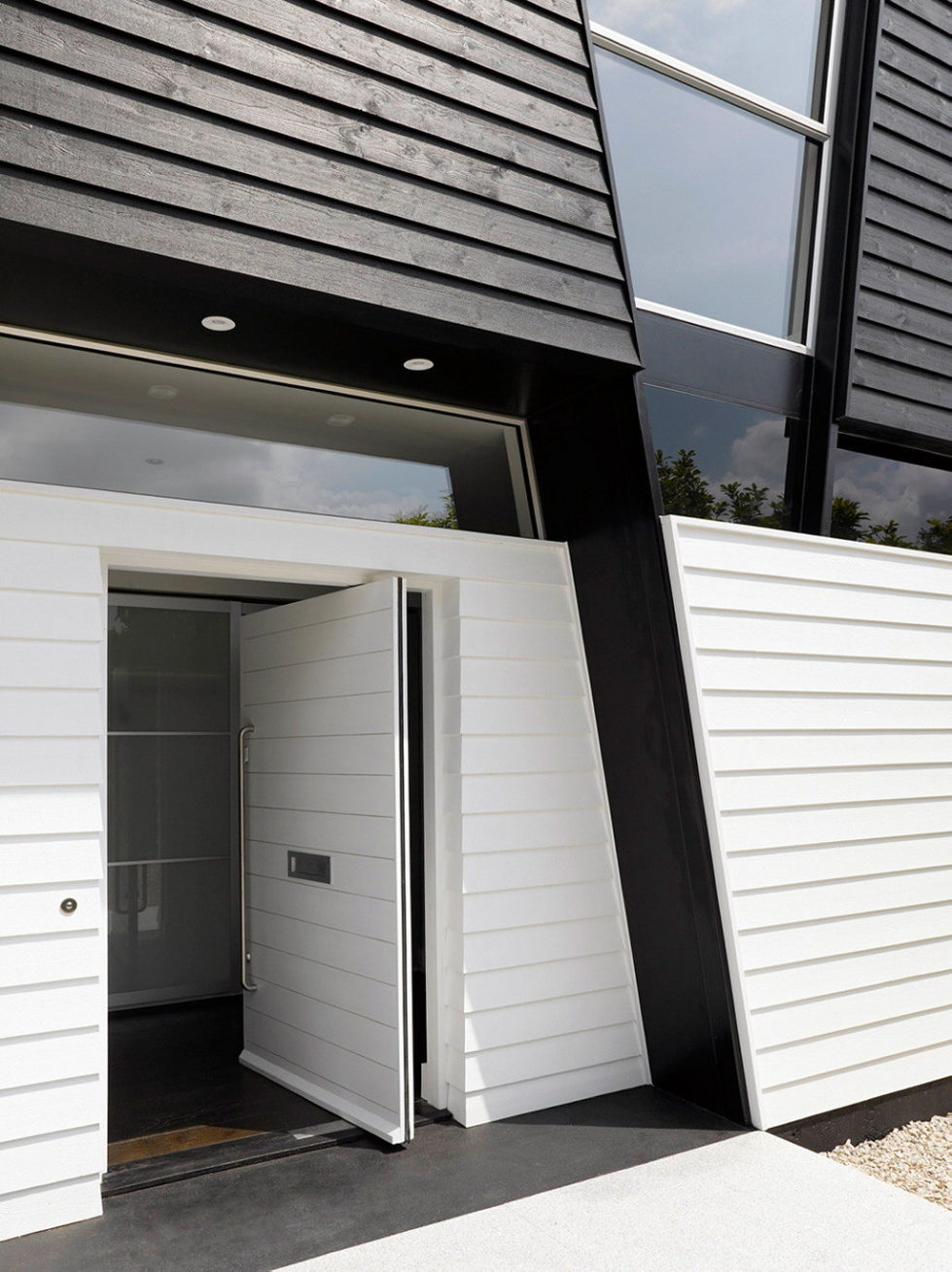Trish House Yalding A Modernism-Styled Project From Matthew Heywood Limited, Great Britain 7