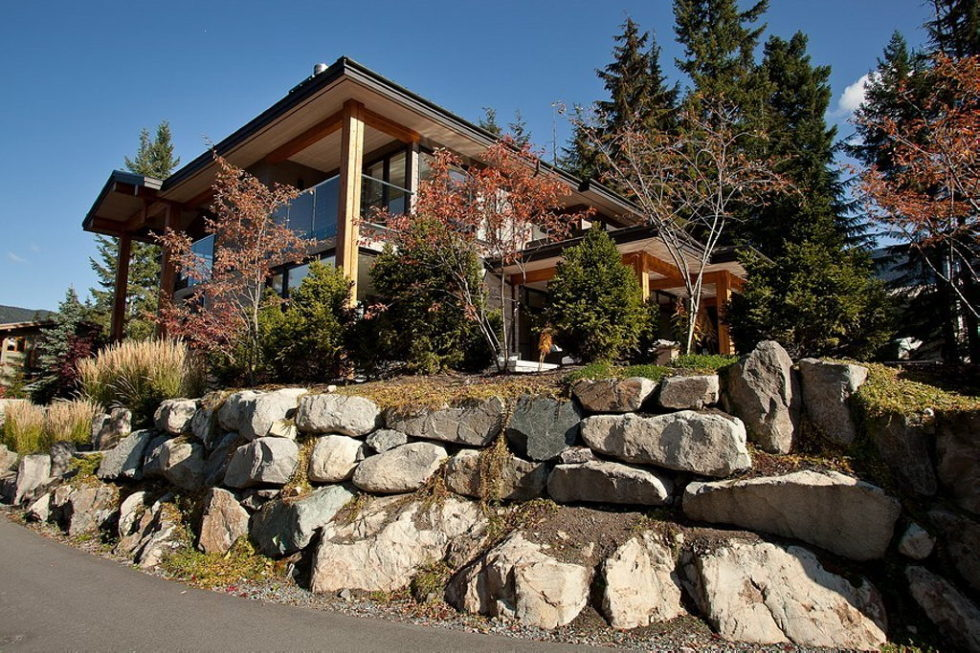 A Stylish House In British Columbian Mountains Worthing $8.5 Million 1