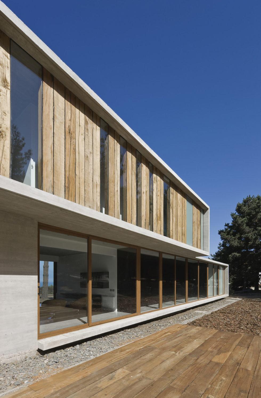 Aguas Claras House In Chile From Ramon Coz + Benjamin Ortiz Studio 3