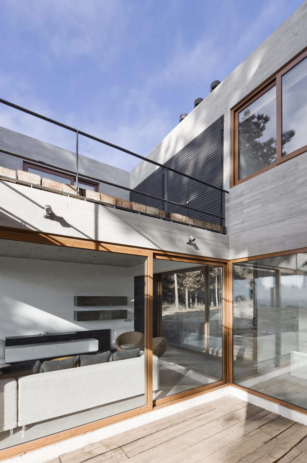 Aguas Claras House In Chile From Ramon Coz + Benjamin Ortiz Studio 30