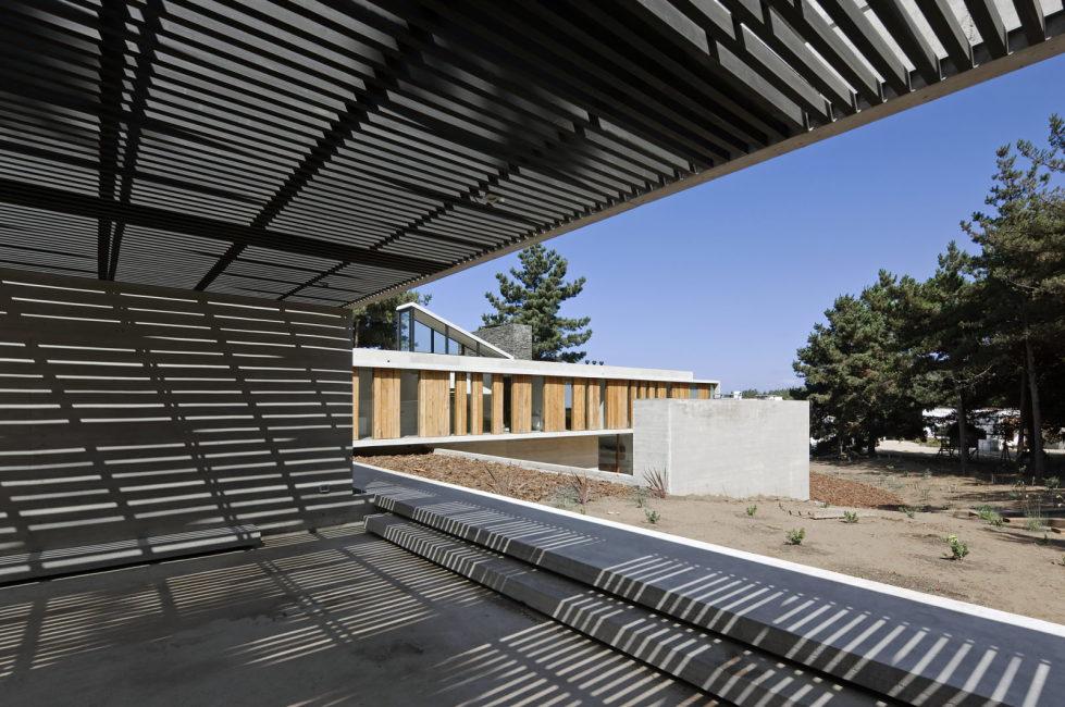 Aguas Claras House In Chile From Ramon Coz + Benjamin Ortiz Studio 4
