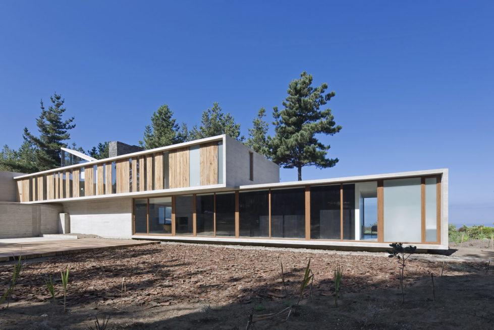 Aguas Claras House In Chile From Ramon Coz + Benjamin Ortiz Studio 9