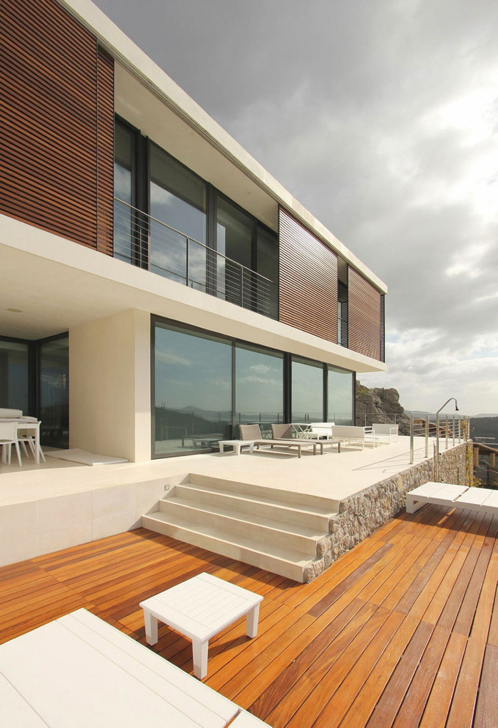 Casa 115 From Miquel Angel Lacomba Architect Studio The House In Spain, Overlooking The Picturesque Valley 11