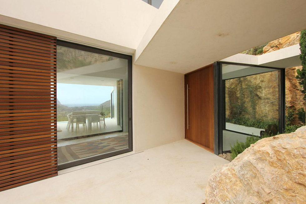 Casa 115 From Miquel Angel Lacomba Architect Studio The House In Spain, Overlooking The Picturesque Valley 12