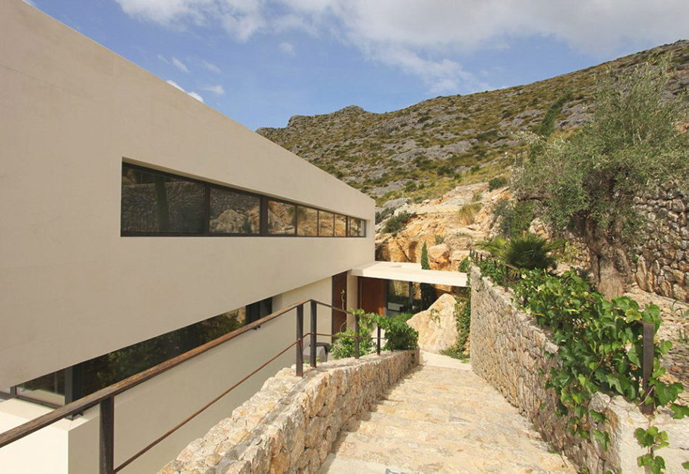 Casa 115 From Miquel Angel Lacomba Architect Studio The House In Spain, Overlooking The Picturesque Valley 14
