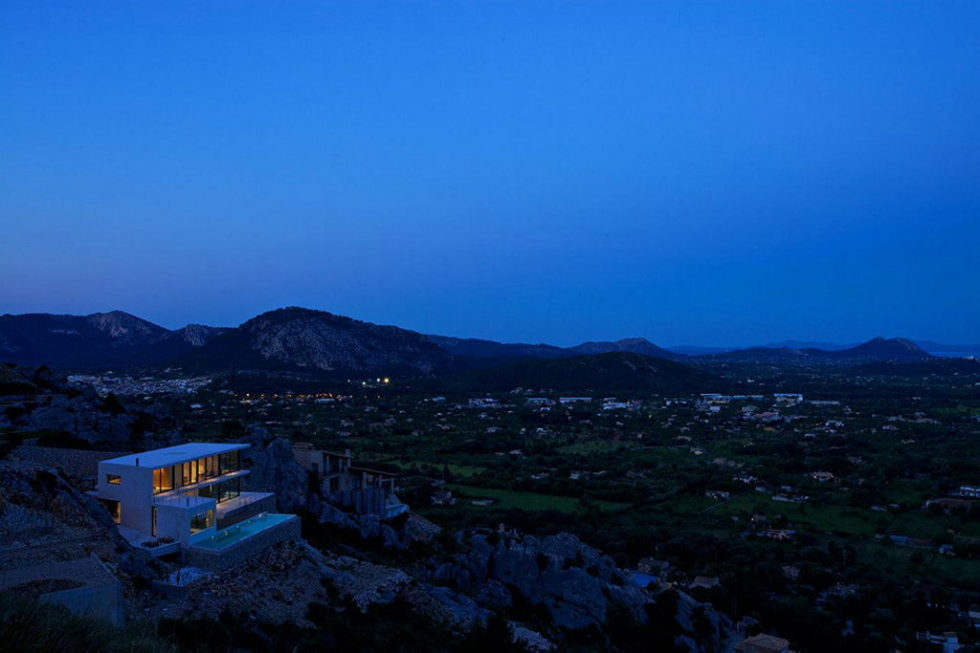 Casa 115 From Miquel Angel Lacomba Architect Studio The House In Spain, Overlooking The Picturesque Valley 16