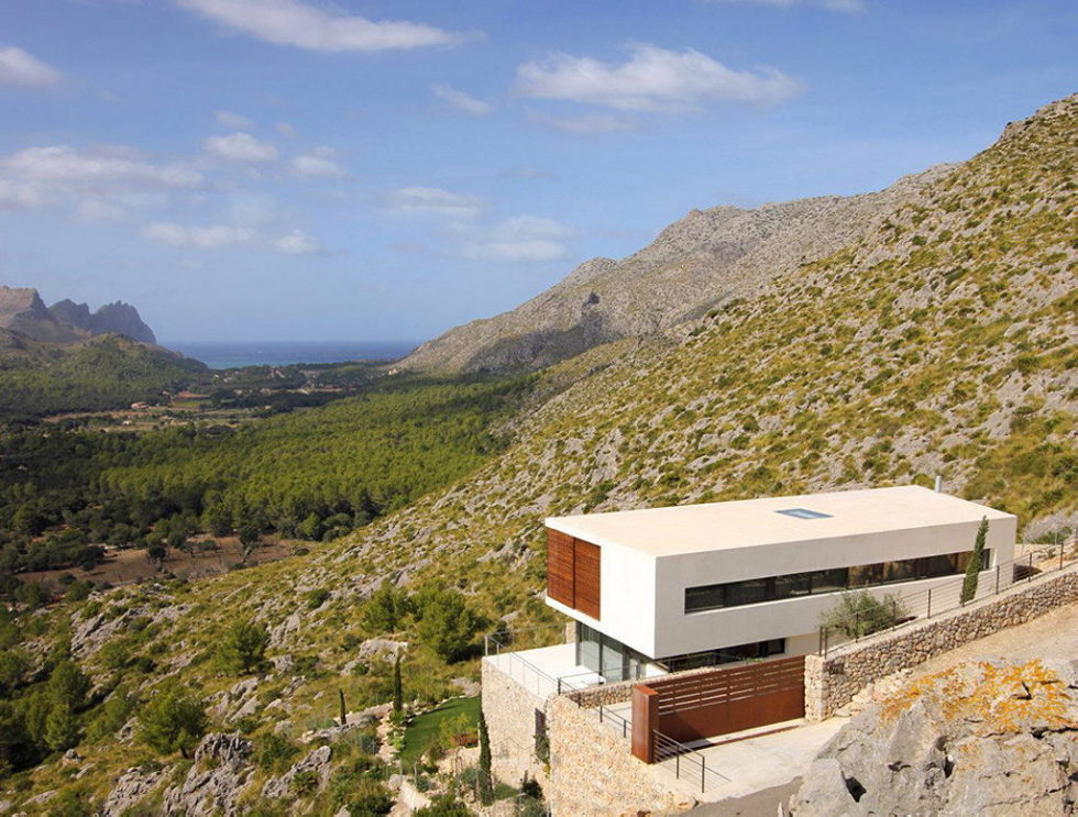Casa 115 From Miquel Angel Lacomba Architect Studio The House In Spain, Overlooking The Picturesque Valley 17