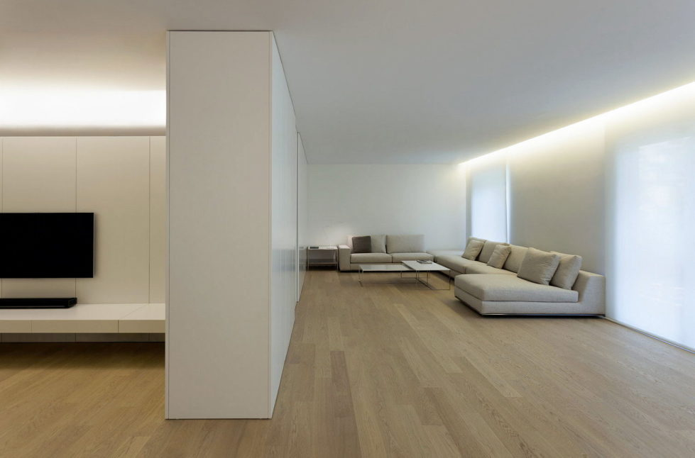 Contemporarily Designed Apartment In Valencia by Fran Silvestre Arquitectos 1