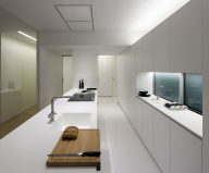 Contemporarily Designed Apartment In València by Fran Silvestre Arquitectos