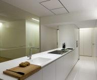 Contemporarily Designed Apartment In València by Fran Silvestre Arquitectos