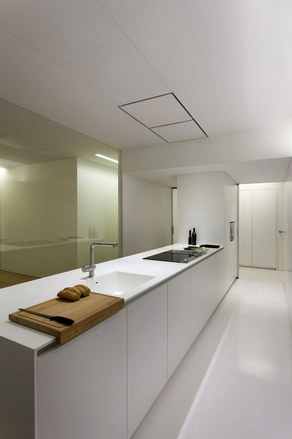 Contemporarily Designed Apartment In Valencia by Fran Silvestre Arquitectos 12