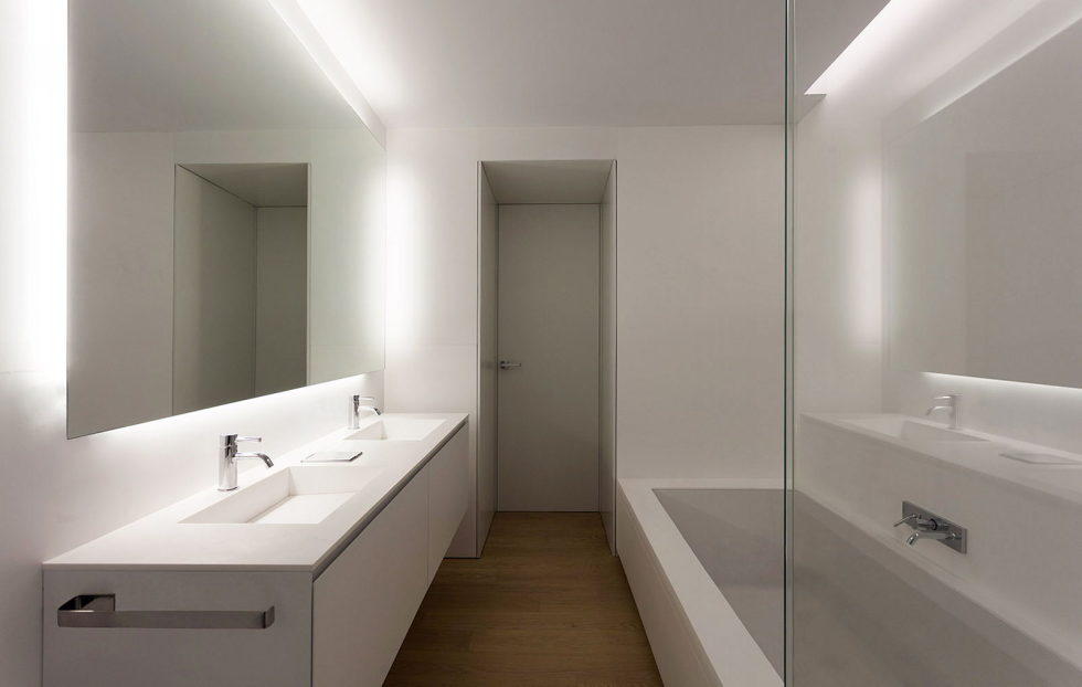 Contemporarily Designed Apartment In Valencia by Fran Silvestre Arquitectos 16