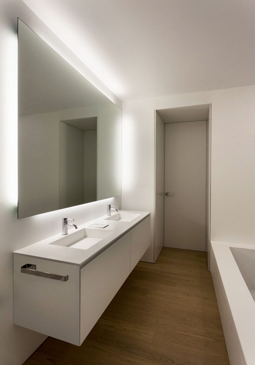 Contemporarily Designed Apartment In Valencia by Fran Silvestre Arquitectos 17