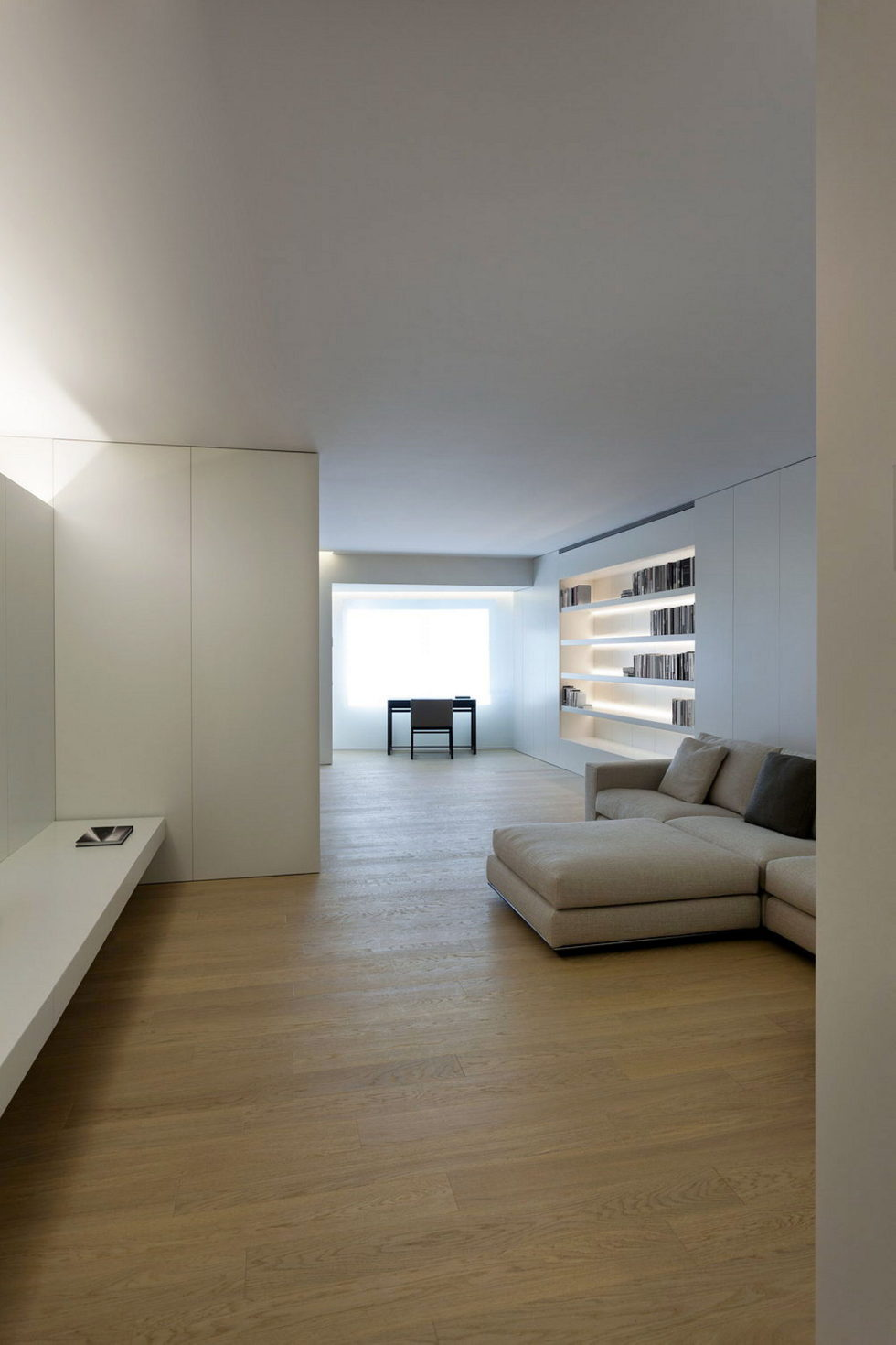 Contemporarily Designed Apartment In Valencia by Fran Silvestre Arquitectos 7