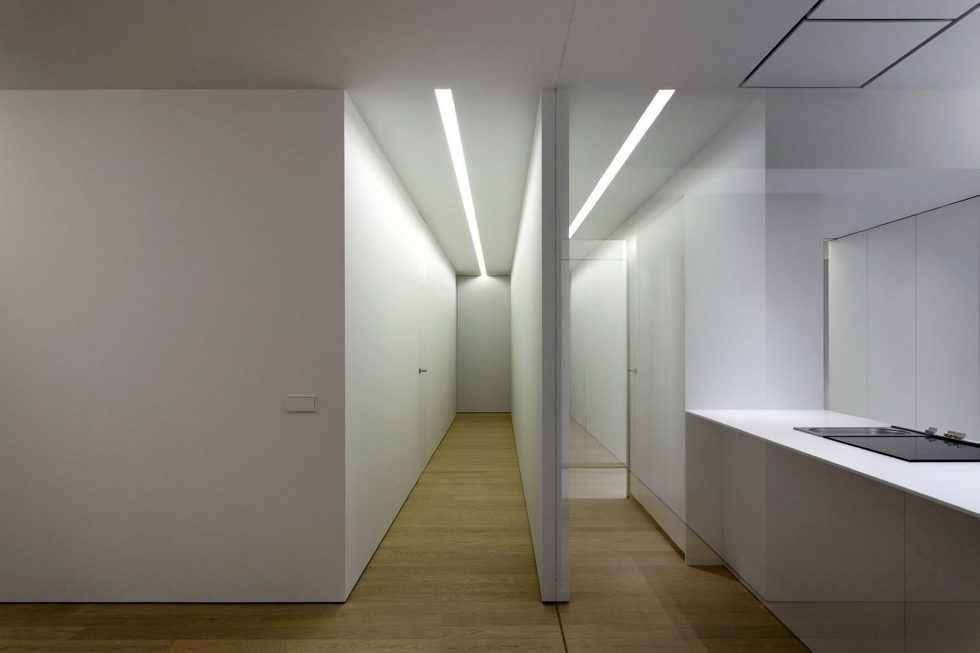Contemporarily Designed Apartment In Valencia by Fran Silvestre Arquitectos 9
