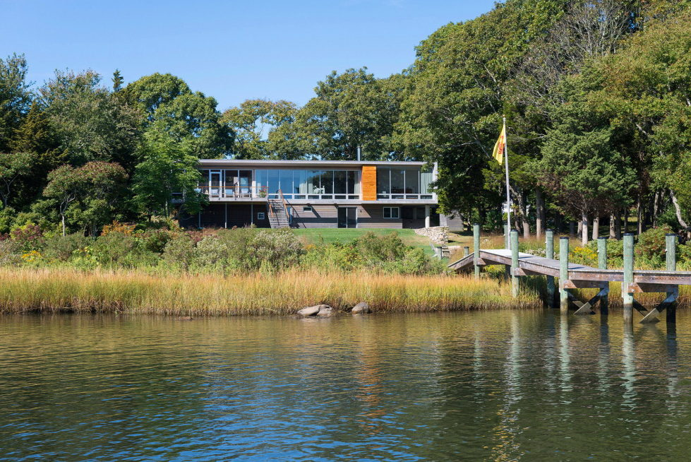 Glass House On The Riverside From RUHL WALKER Architects 1