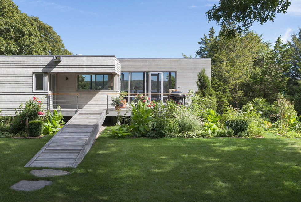 Glass House On The Riverside From RUHL WALKER Architects 3
