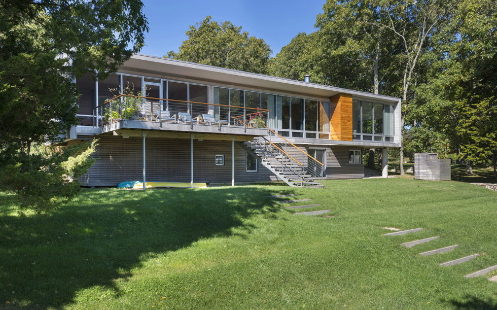 Glass House On The Riverside From RUHL WALKER Architects 4