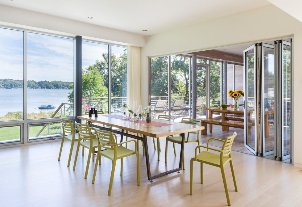 Glass House On The Riverside From RUHL WALKER Architects 9