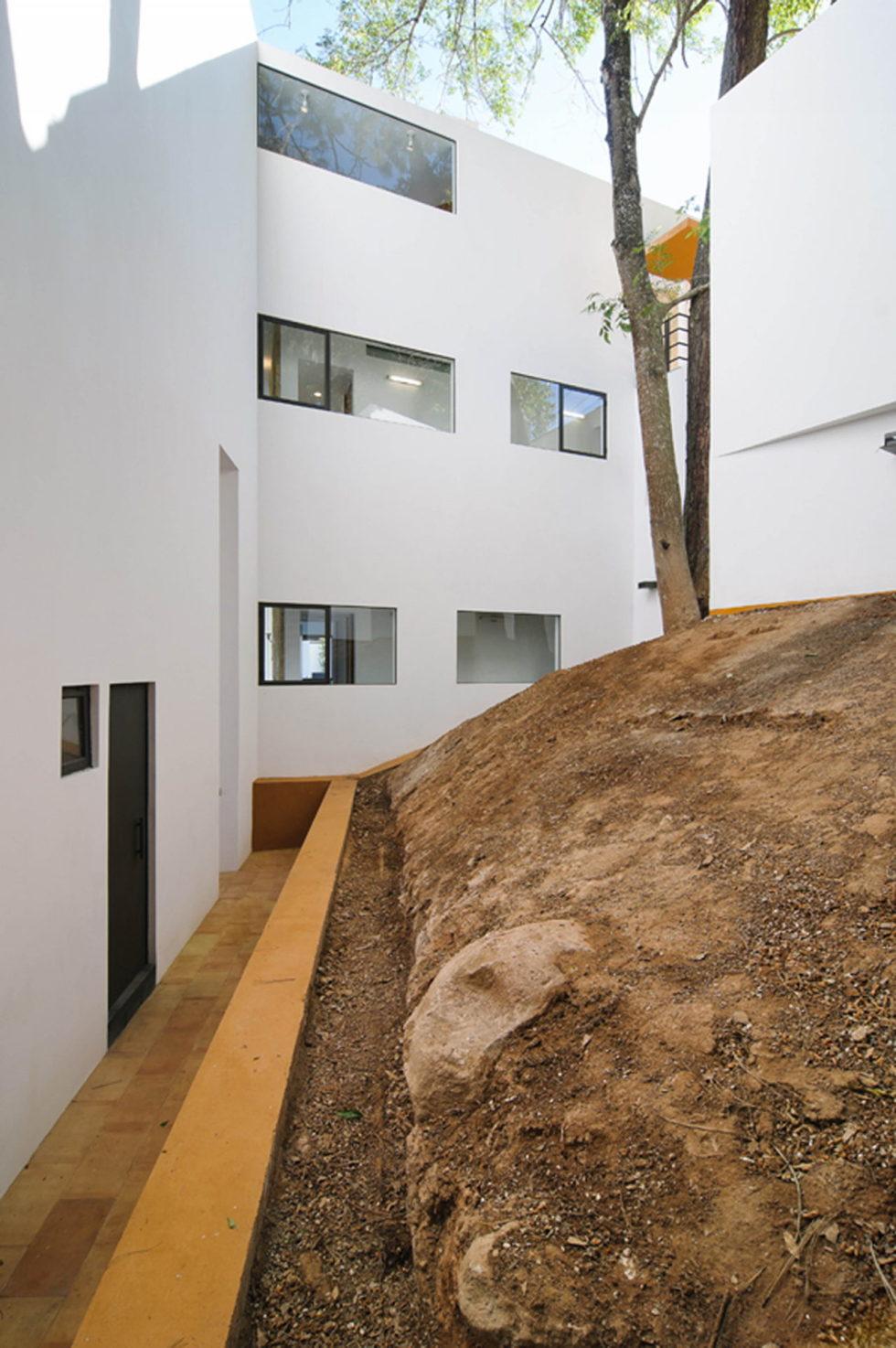 La Lagartija Energy-Efficient Residency in Mexico 24