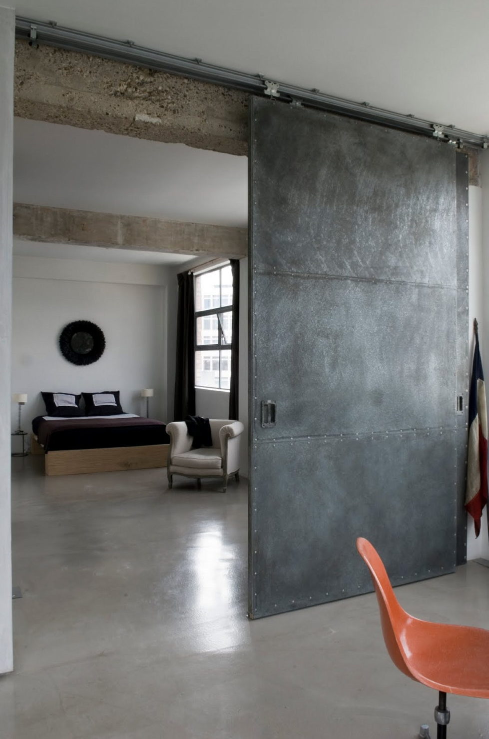 Loft in the clothing factory in London - Bedroom