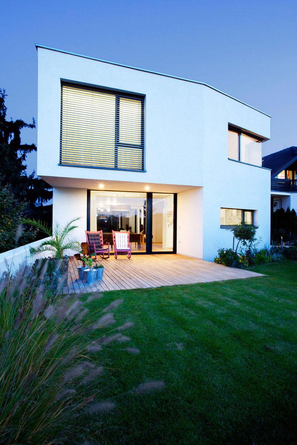 Modern Design Of Double View House in Bratislava, Slovakia 18