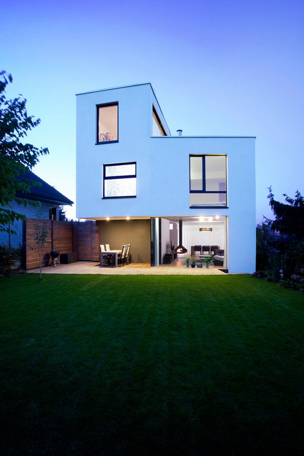 Modern Design Of Double View House in Bratislava, Slovakia 20