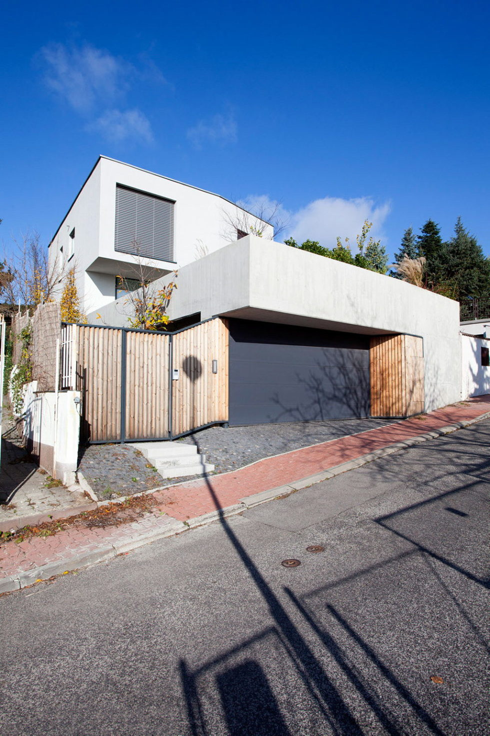 Modern Design Of Double View House in Bratislava, Slovakia 3