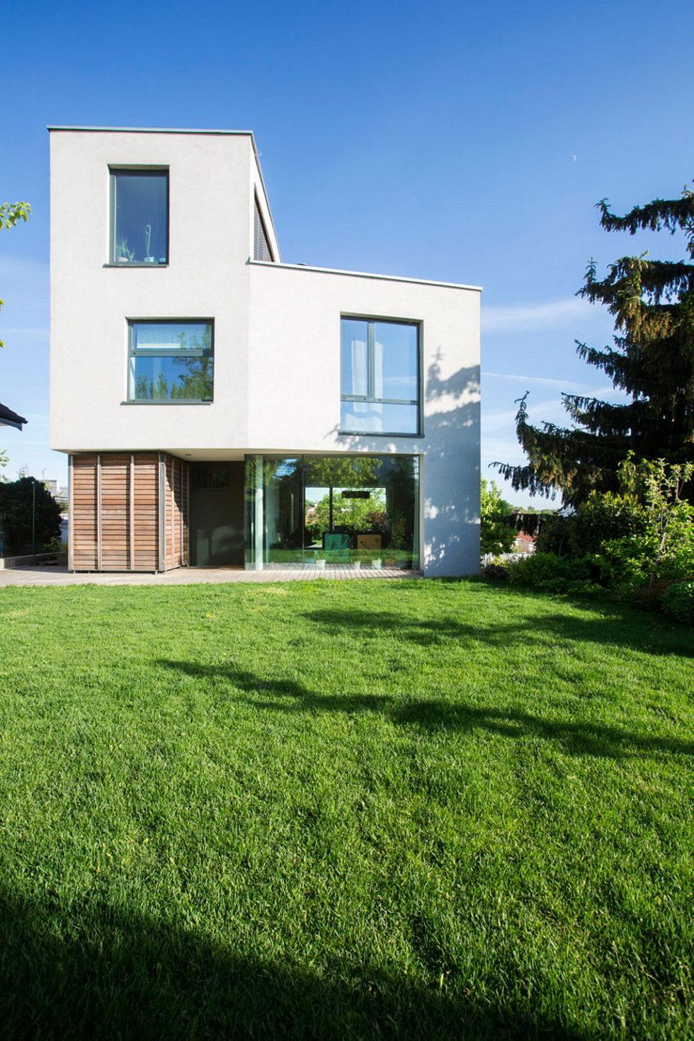 Modern Design Of Double View House in Bratislava, Slovakia 4