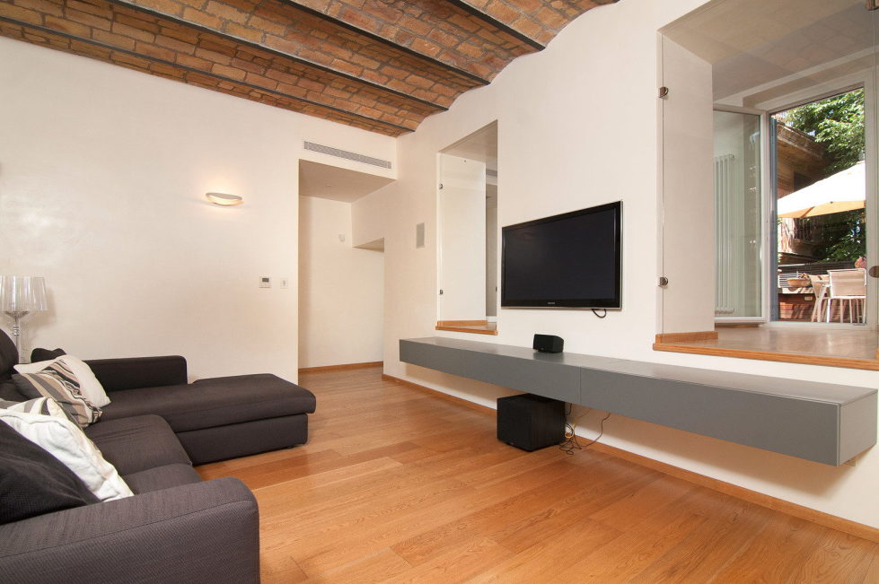 Modern-Styled Apartment in Rome, Italy 14