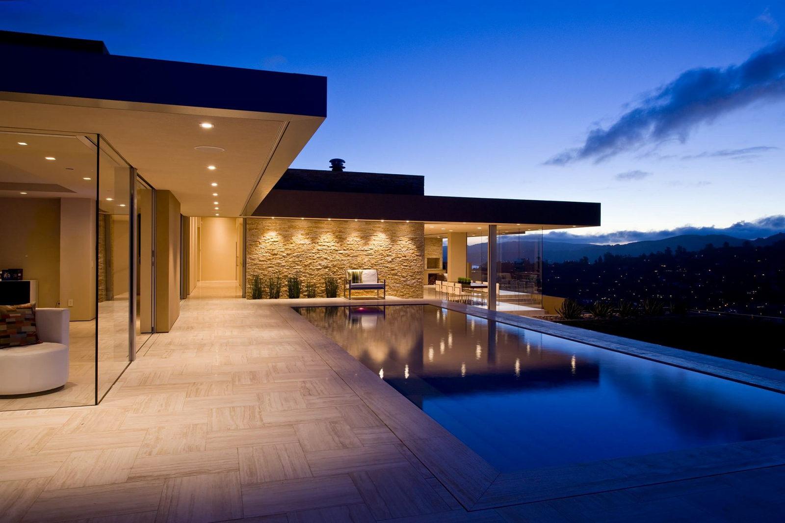 The garay residence on the shores of san francisco bay for Grande villa luxe moderne