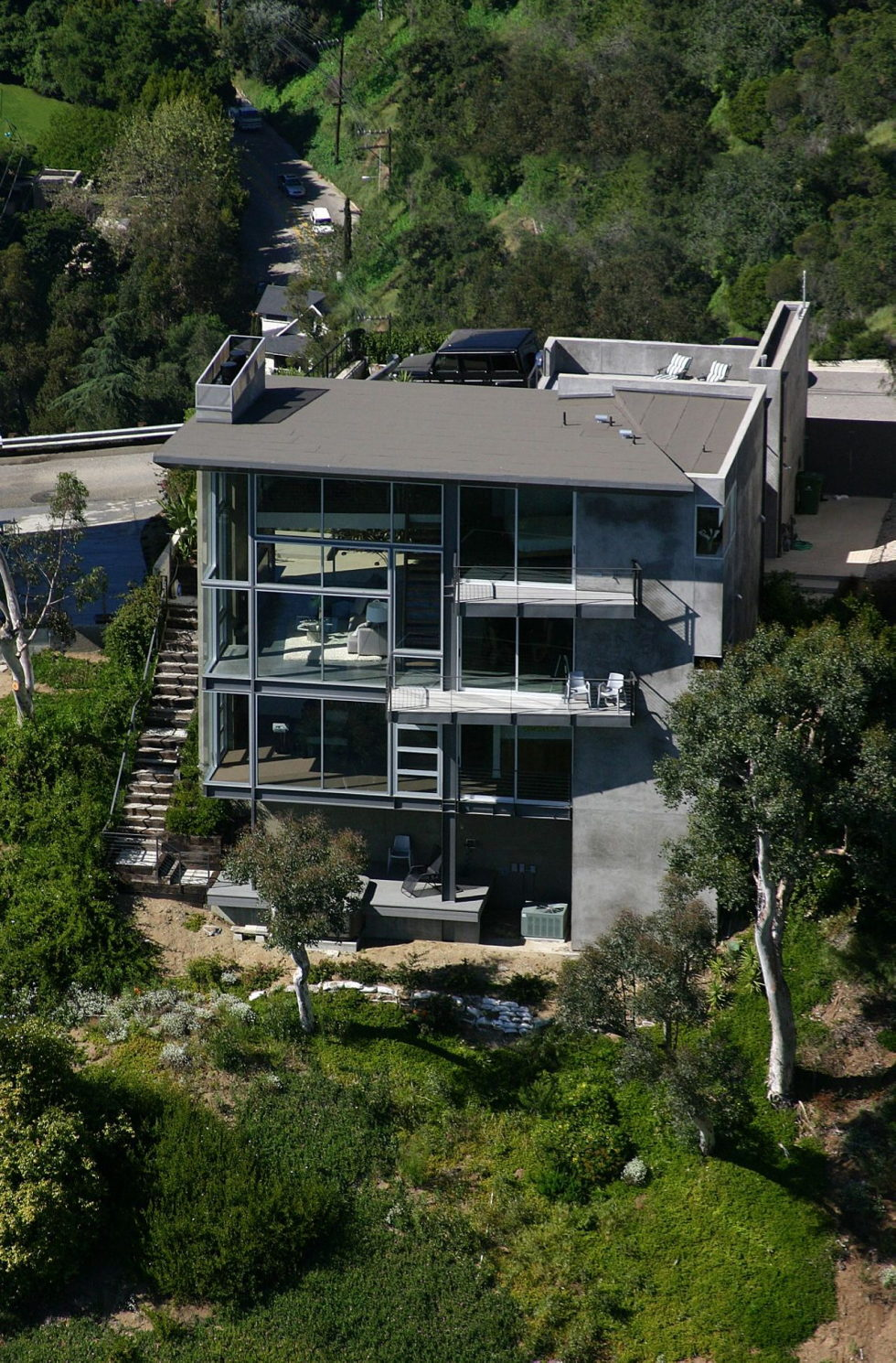The Leonard residence in the Hollywood Hills 15