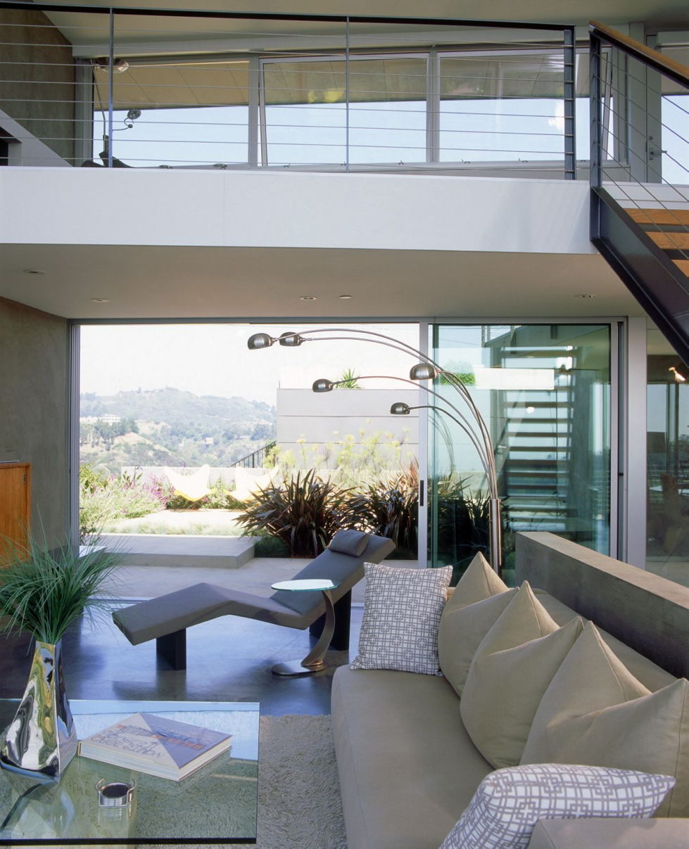 The Leonard residence in the Hollywood Hills 6