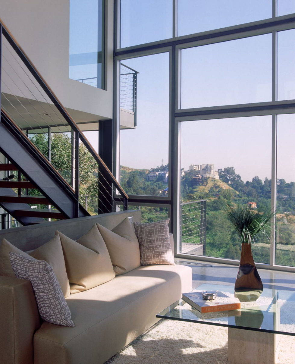 The Leonard residence in the Hollywood Hills 7