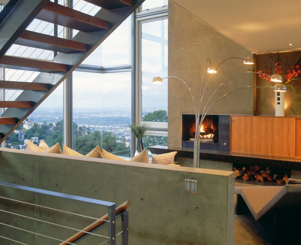 The Leonard residence in the Hollywood Hills 8
