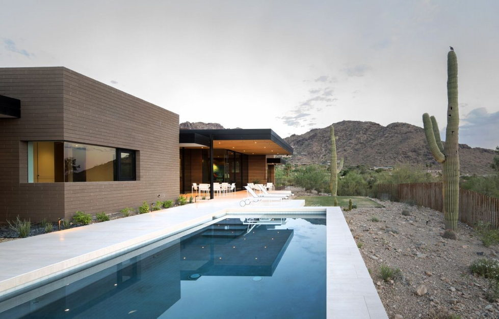 The house on a sandy hill in Arizona 1