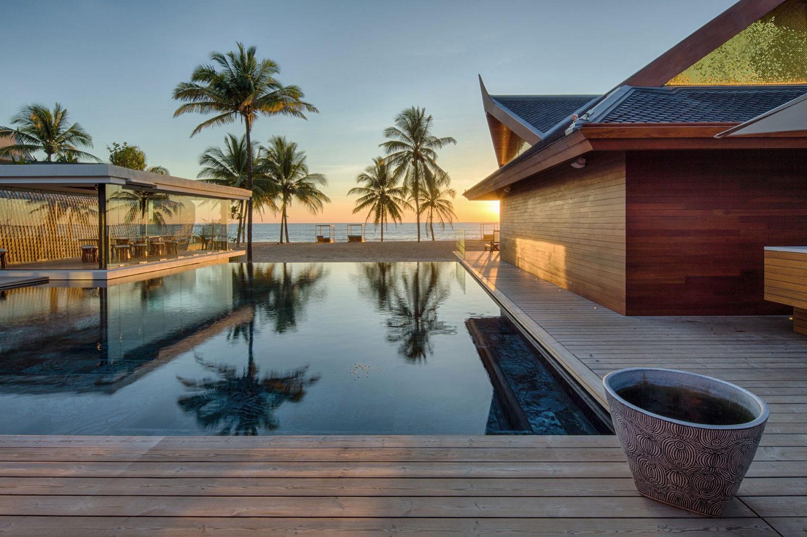 Iniala Beach House Fluid Shapes At The Beach Iniala Luxus Villa Am ...