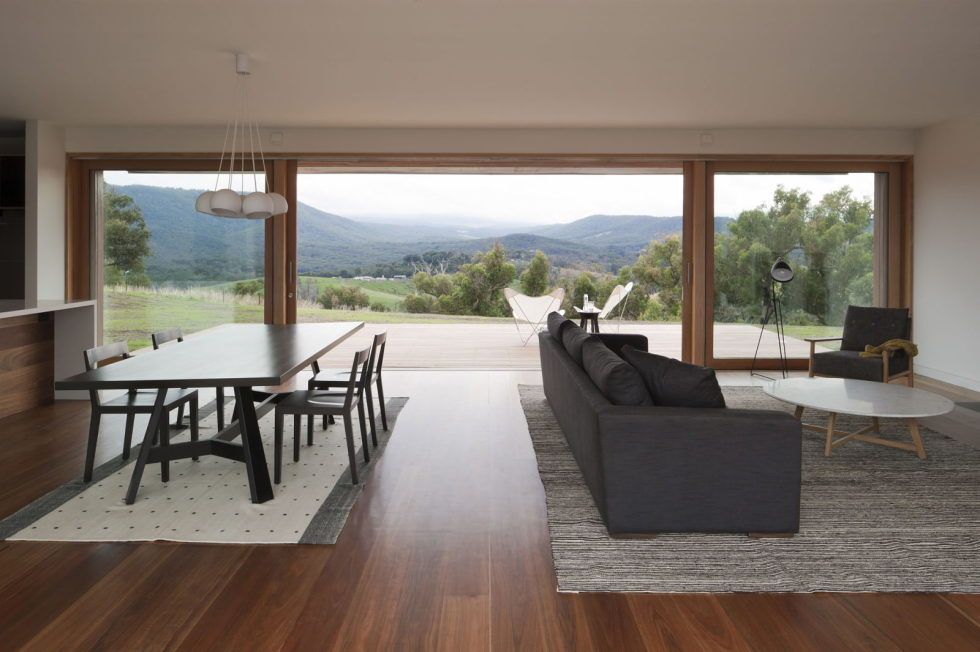 The modern farmhouse Finnon Glen by Doherty Lynch in Australia 4