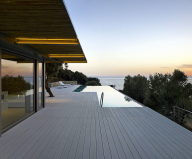 LuxuriousResidencyUponTheProjectOfZ levelArchitectureOnTheShoreOfAegeanSea