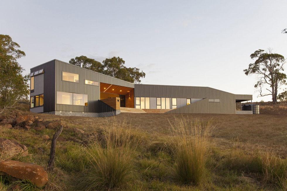 Modern Family Valley House In Australia From Philip M Dingemanse 1