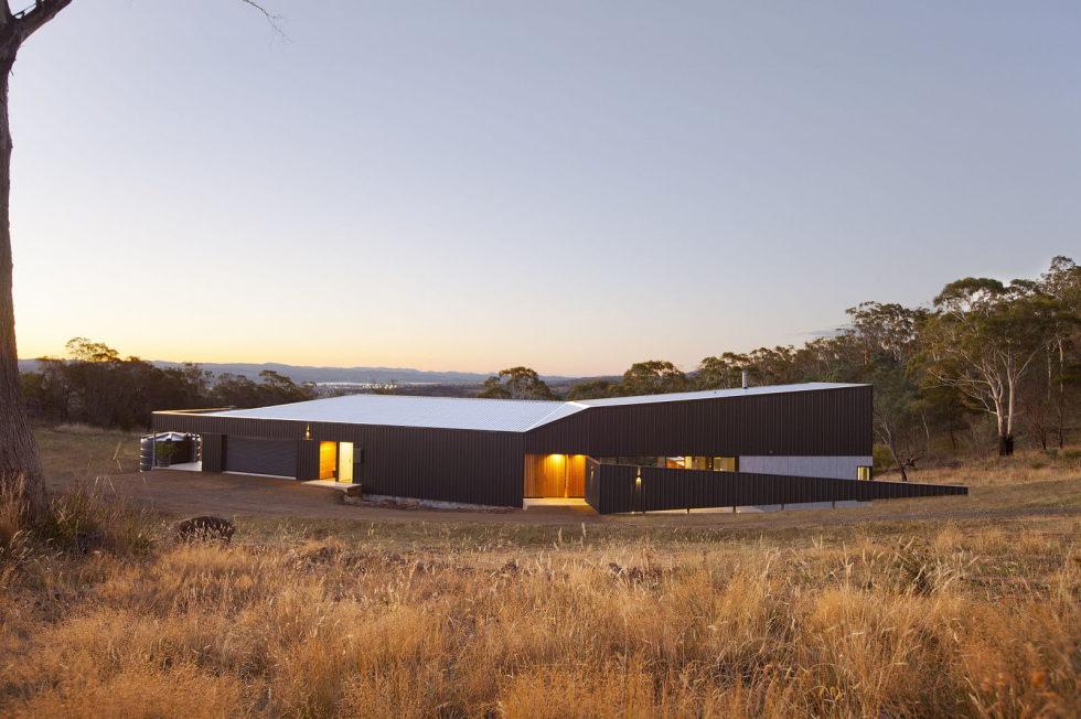 Modern Family Valley House In Australia From Philip M Dingemanse 15