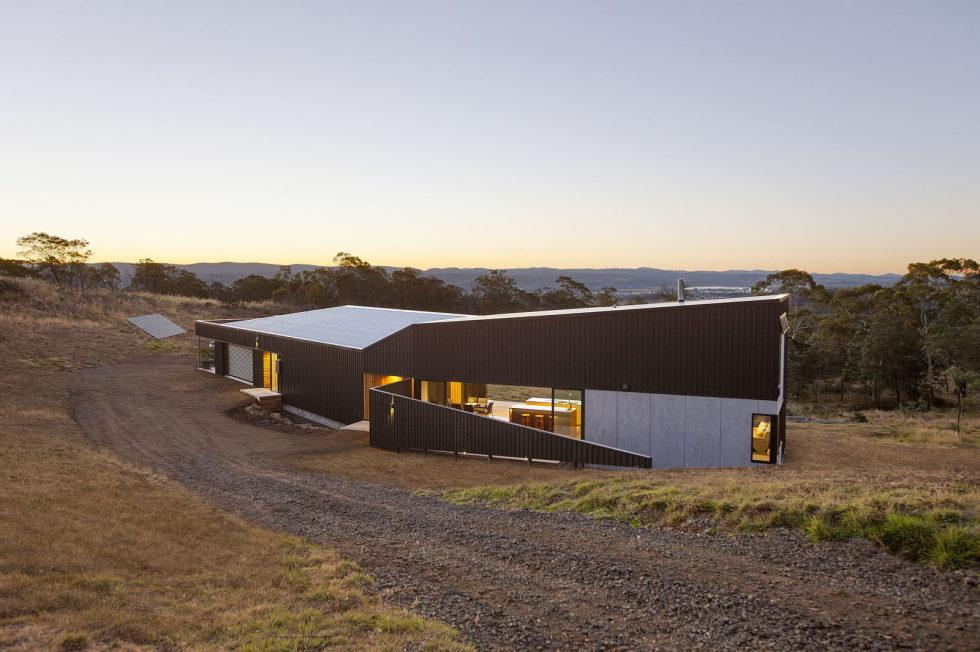 Modern Family Valley House In Australia From Philip M Dingemanse 2