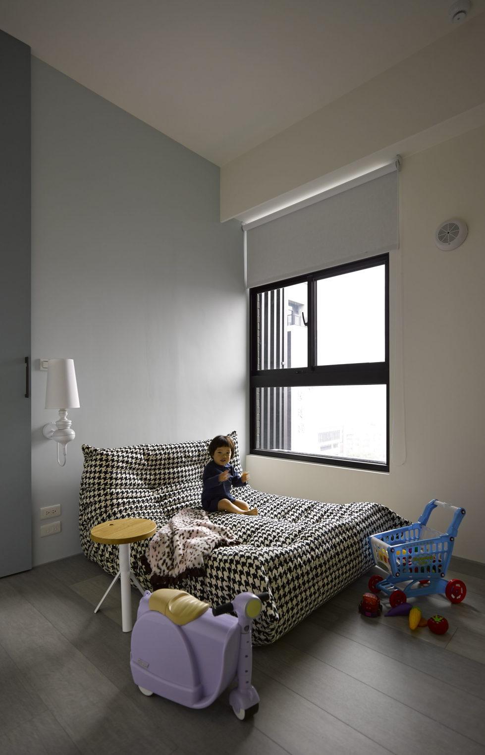 Modern Three-Room Apartment From Ganna Design Studio In Taipei, Taiwan 12