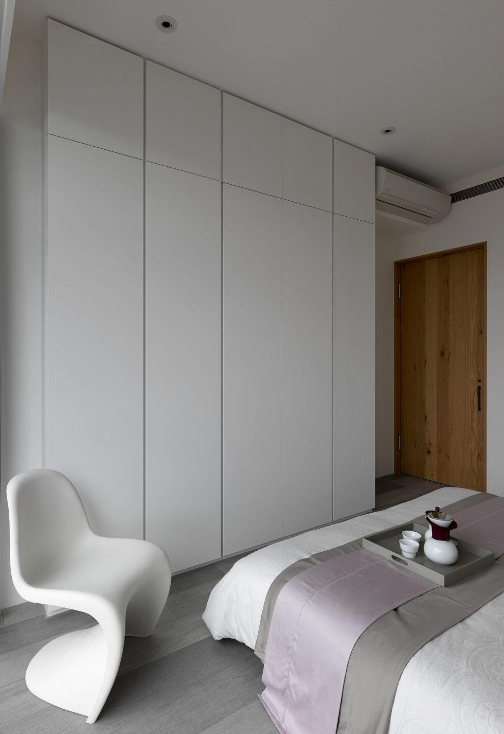 Modern Three-Room Apartment From Ganna Design Studio In Taipei, Taiwan 14
