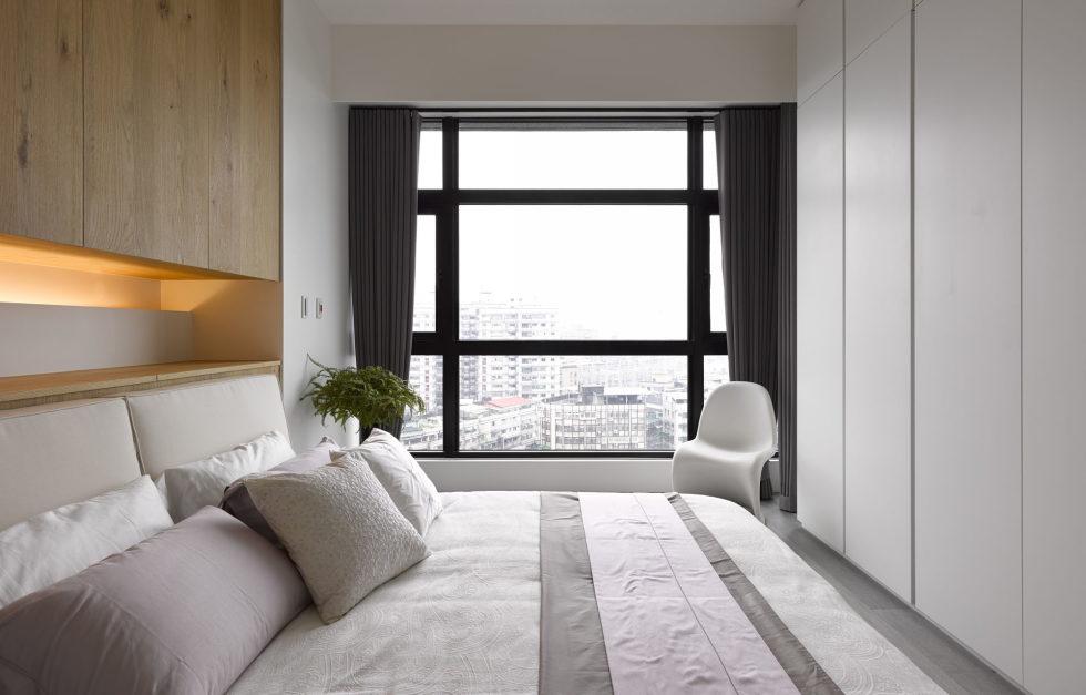 Modern Three-Room Apartment From Ganna Design Studio In Taipei, Taiwan 15