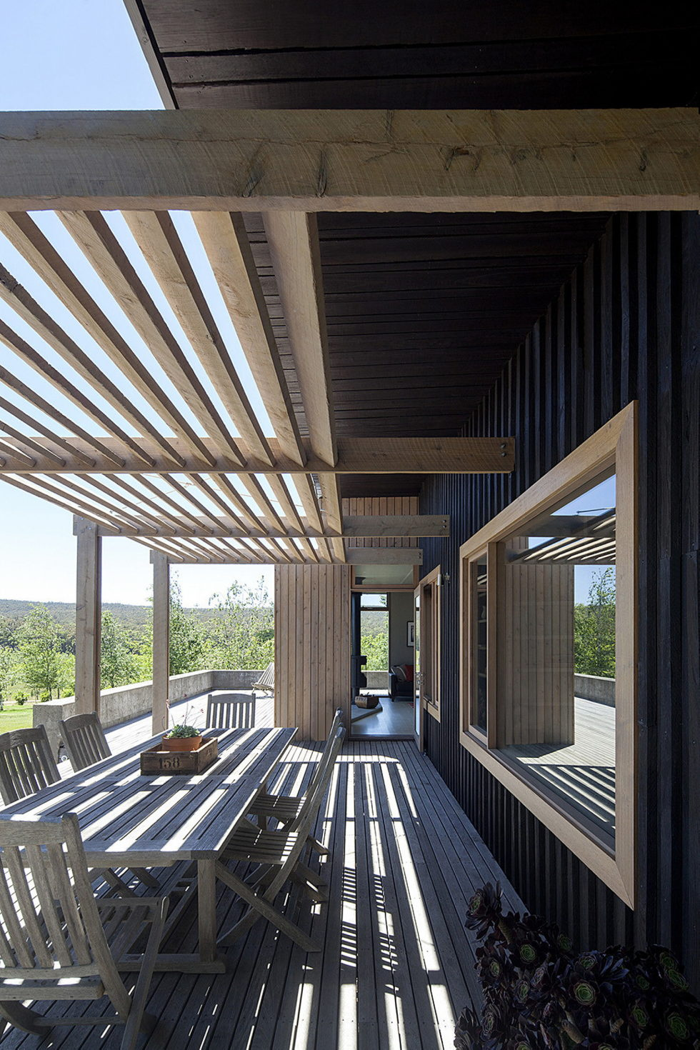 Plinth House in Australia from the Luke Stanley Architects 10