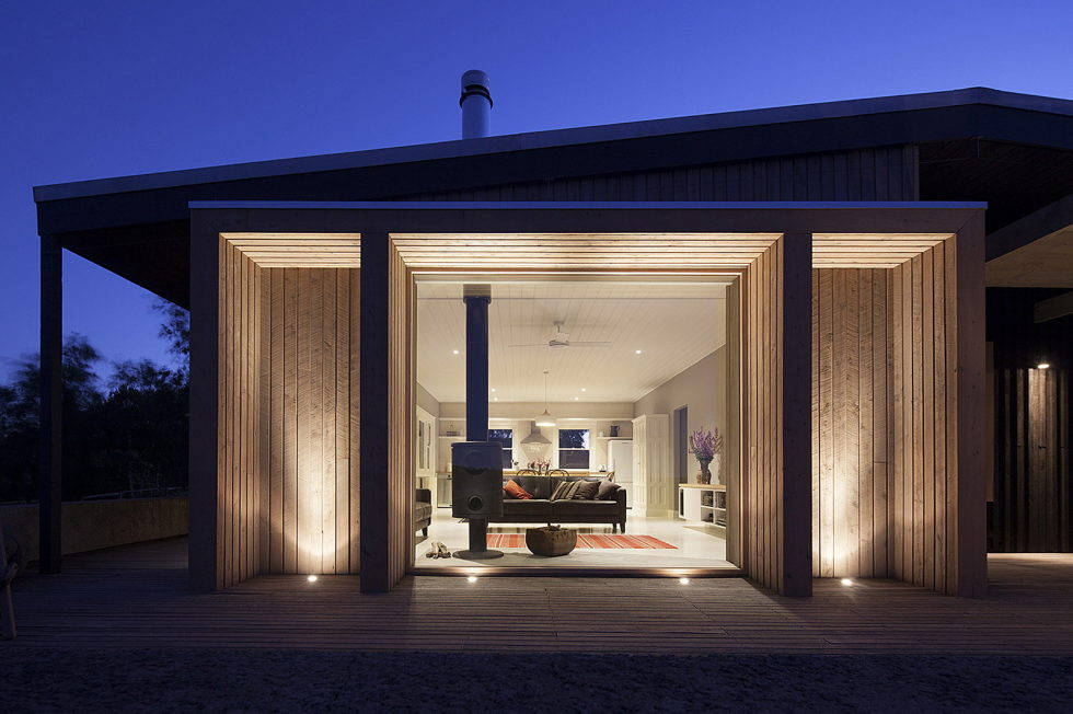 Plinth House in Australia from the Luke Stanley Architects 17