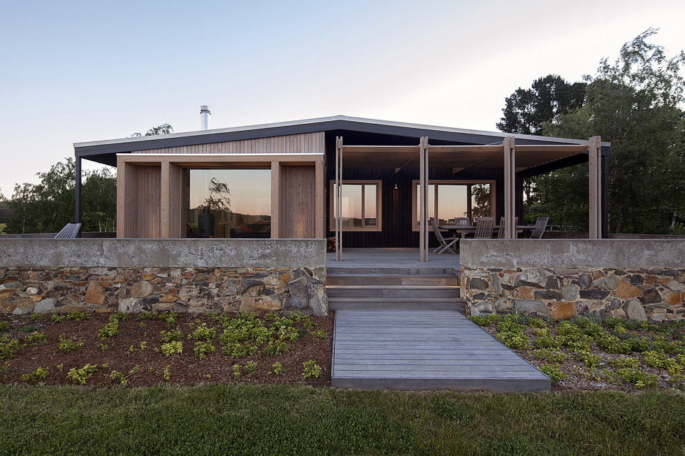 Plinth House in Australia from the Luke Stanley Architects 3