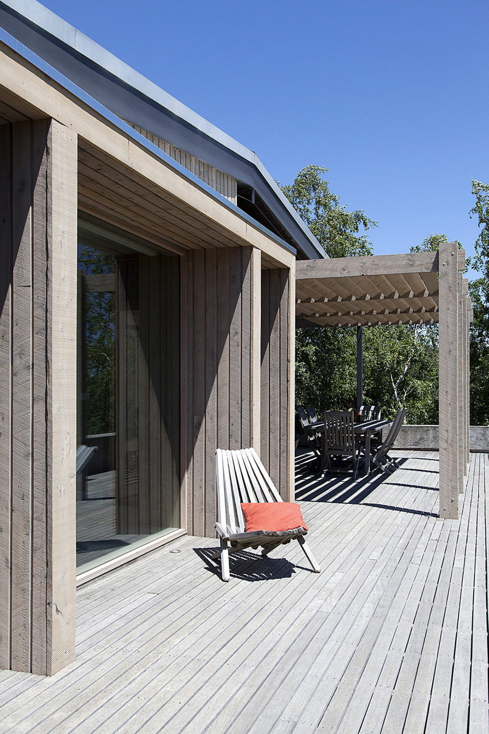 Plinth House in Australia from the Luke Stanley Architects 6
